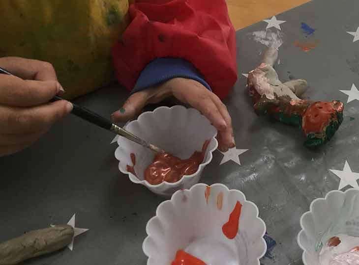 Pädagogische Kunsttherapie - Farbenmischen für Tonfigur